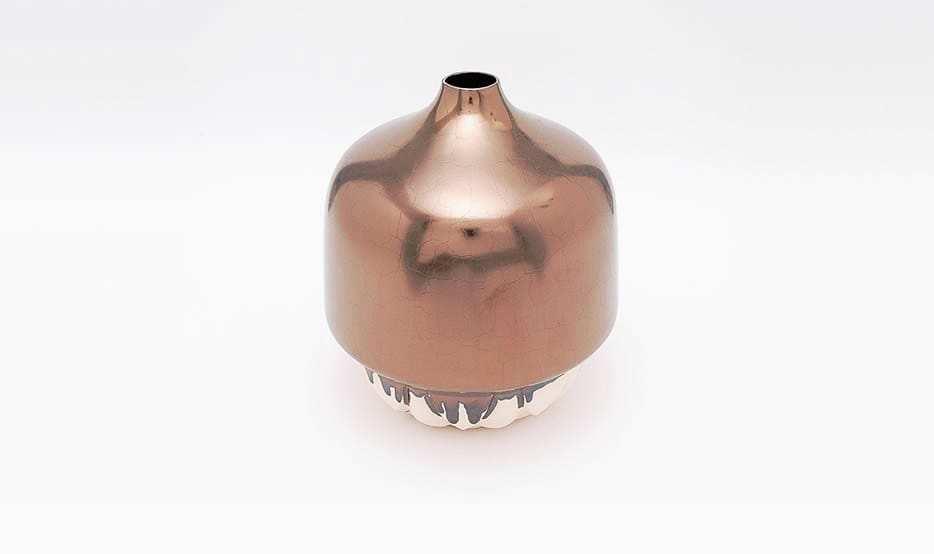 shape_of_wonder_vaas_keramiek_ontwerp_brons_glazuur_aardewerk