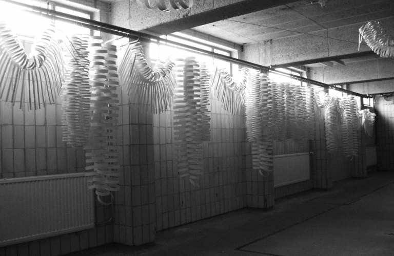 arnhem_mode_biënnale_paper_installation_design_process_garlands_festive_design