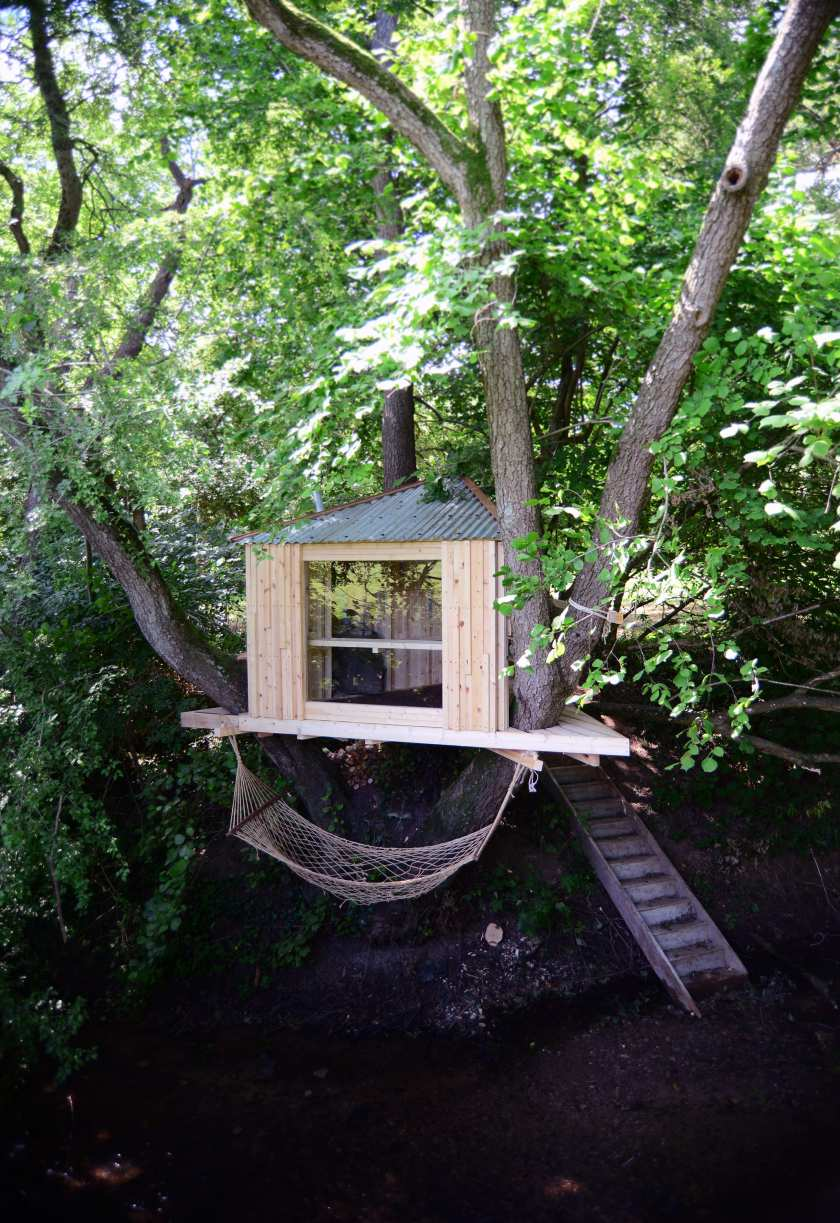 designer_holiday_tree_sauna_woods_building_designers_paula_arntzen