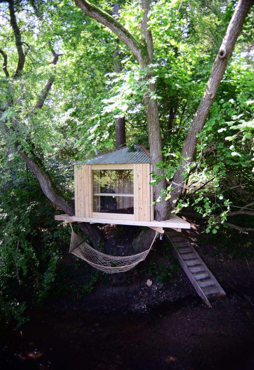 designer_holiday_tree_sauna_woods_building_designers_paula_arntzen
